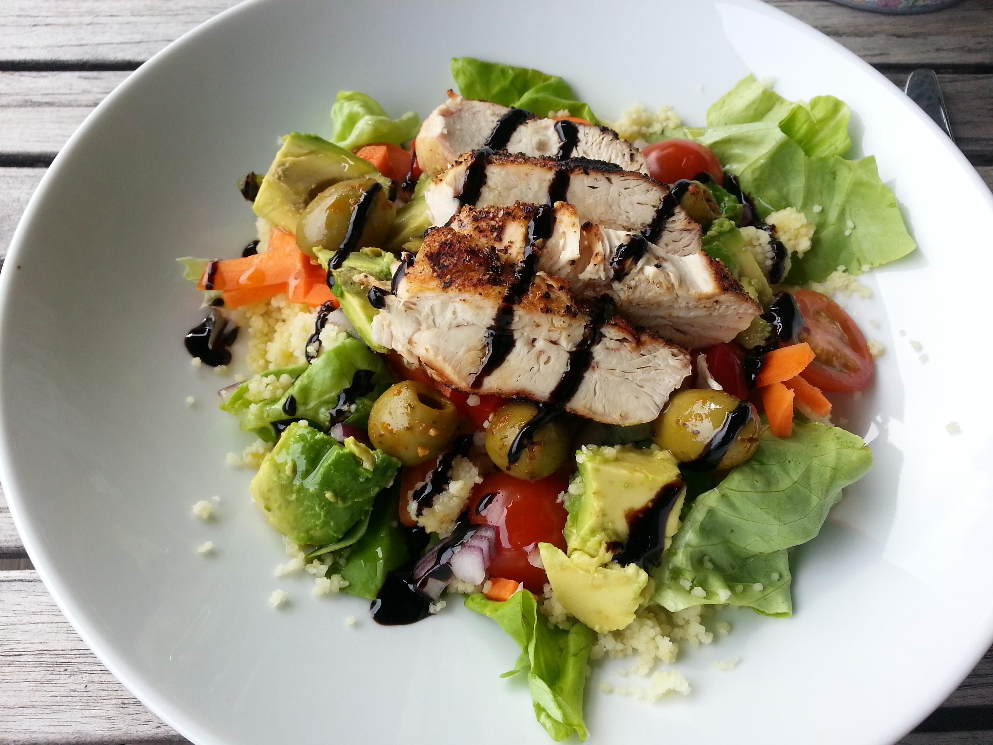 Salat med grillet kylling